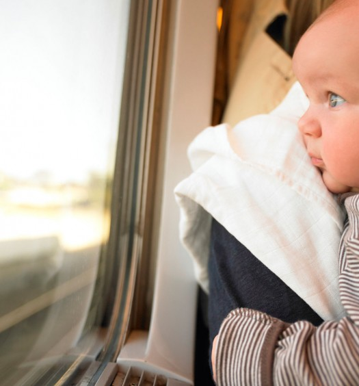 Medela-Canada---Bon-Voyage!-Tips-for-Travelling-with-a-Breastfed-Baby